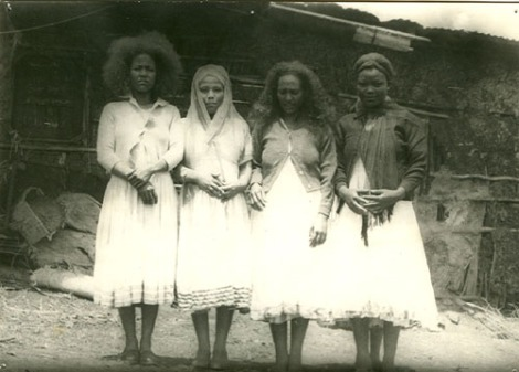LOCAL GURAGE WOMEN