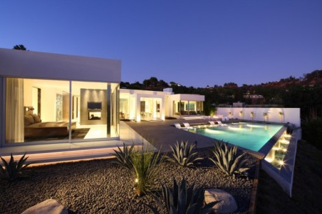 Minimalism_In_Modern_Architecture_of_Beverly_Hills_on_world_of_architecture_01-600x400